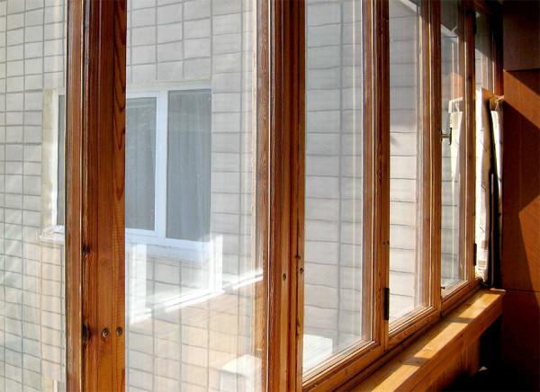 Качественные деревянные рамы можно не менять