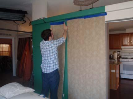 С гипсокартон шумоизоляцией потолок