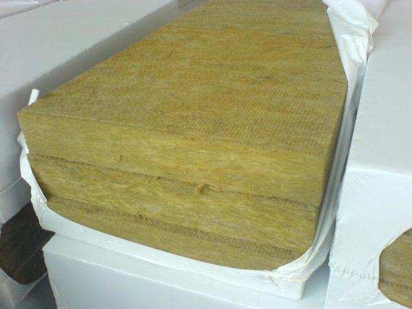 Каменная вата изготавливается из горных пород