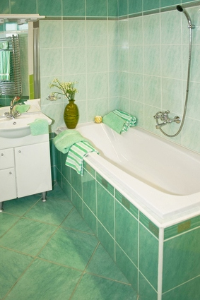 Капитальная стенка под ванной