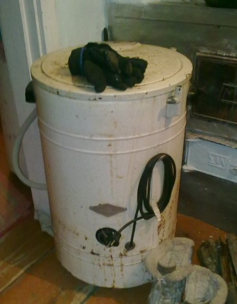 Корпус цилиндрической стиральной машины можно порезать на огромное количество уже практически готовых защитных кожухов