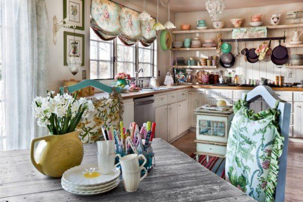 Кухня — место, где декором могут стать утилитарные вещи