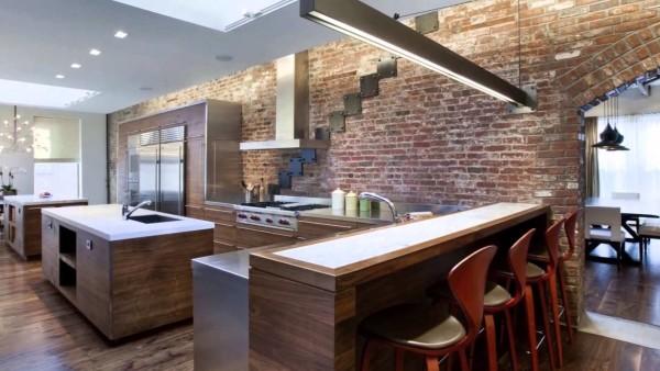 Кухня, совмещенная со столовой, оформленная в стиле лофт