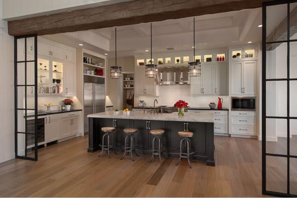 «Кухонный остров» в объединенном помещении