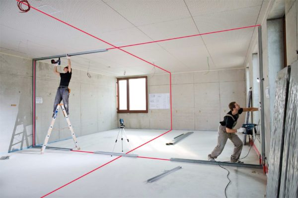 Лазерное оборудование позволяет размечать линии и плоскости идеально ровно