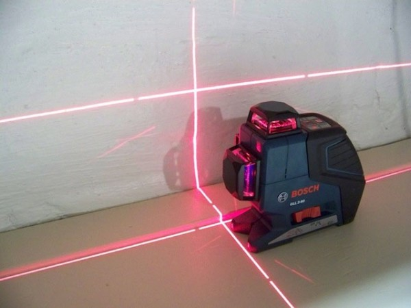 Лазерный уровень в работе
