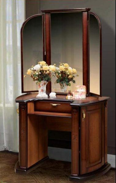 Модель «Венеция» внешне ничем не отличается от мебели из деревянного массива