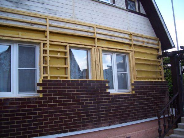 Монтаж термопанелей по технологии навесной фасад не нарушит паропроницаемость стен