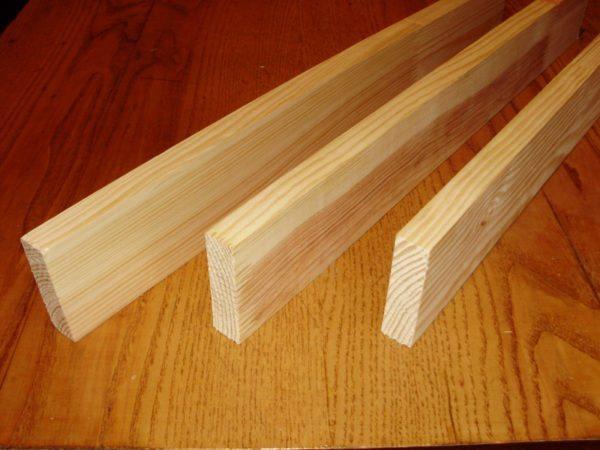 Монтажная деревянная рейка пригодится для соединения некоторых элементов садовой мельницы