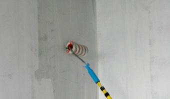 Грунтовка окрашенной стены