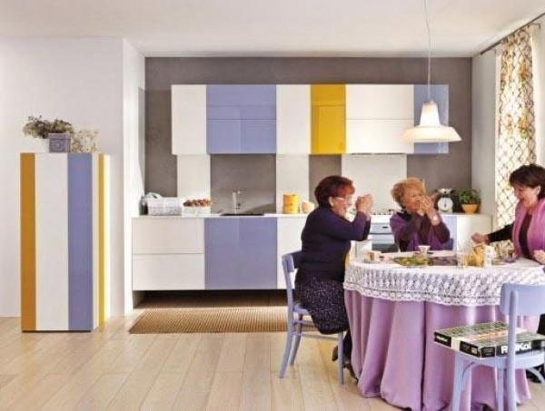 Надоела старая однотонная мебель – цветная самоклеющаяся пленка преобразит интерьер