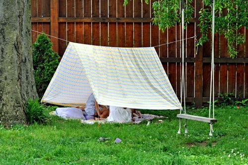 Наиболее легкий вариант, как соорудить шатер для ребенка