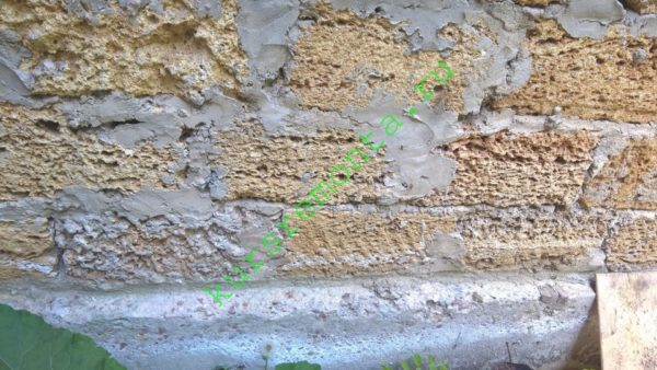 Основной строительный материал — ракушечник.