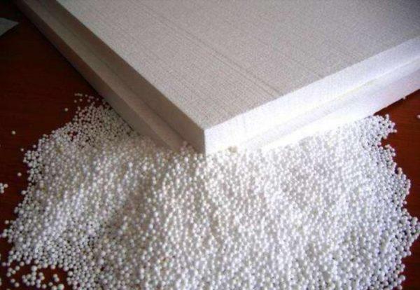 Пенополистирольная плита – скопление скреплённых между собой маленьких полимерных шариков