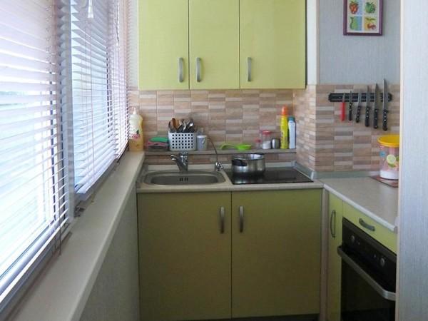Перенос кухни на утепленную лоджию.
