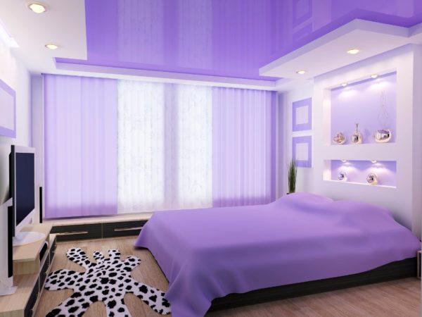 Пленочное потолочное покрытие — практичное и современное решение для спальни