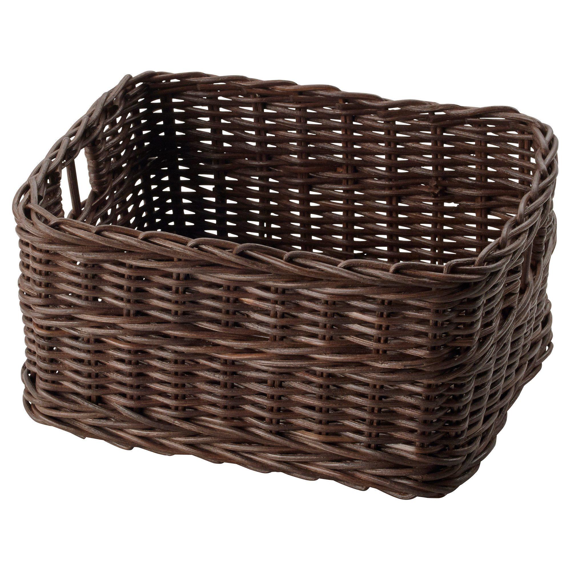 Плетеные корзинки — недорогой и симпатичный способ складирования вещей.