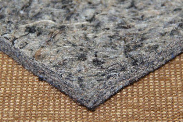 Плотная и упругая структура комбинированной подложки не продавливается со временем