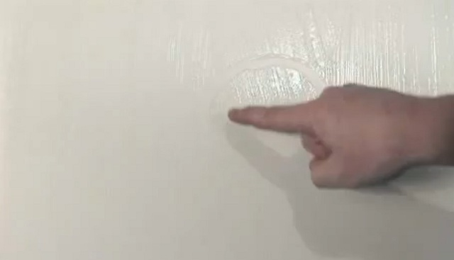 поклейка обоев своими руками видео