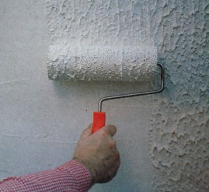 Нанесение массы на стену