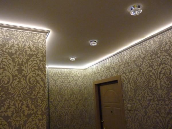Полиуретановый потолочный декор с подсветкой