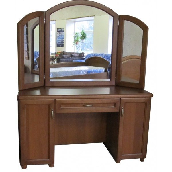 Положение боковых зеркал легко корректируется своими руками, что позволяет получить оптимальный вид не только своего фаса, но и профиля