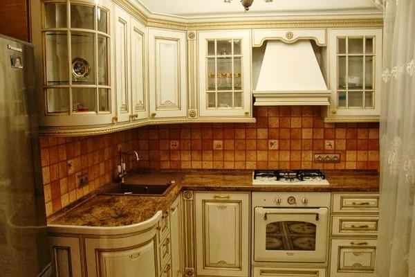 Пример оформления кухни под старину