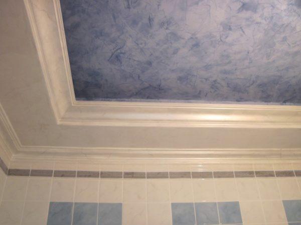 Пример отделки потолка декоративной штукатуркой