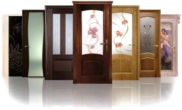 Примеры межкомнатных деревянных дверей со стеклянными вставками