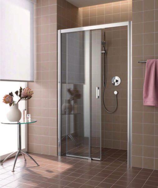 Раздвижные двери позволяют экономить пространство ванной комнаты