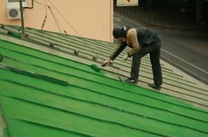 Ремонт крыши из профнастила