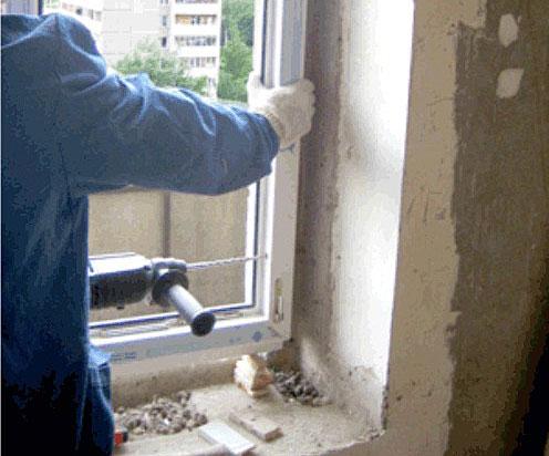 Ремонт спальни в хрущевке: монтаж новой оконной рамы