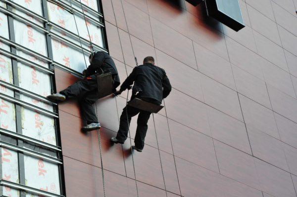 Ремонтные работы, особенно на большой высоте, спряжены с солидными трудозатратами