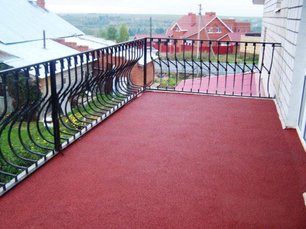 Резиновая краска украшает поверхность бетона и защищает от воздействий окружающей среды