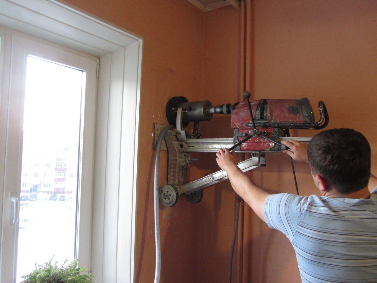 Самое сложное в работе — найти подходящий агрегат для бурения отверстий