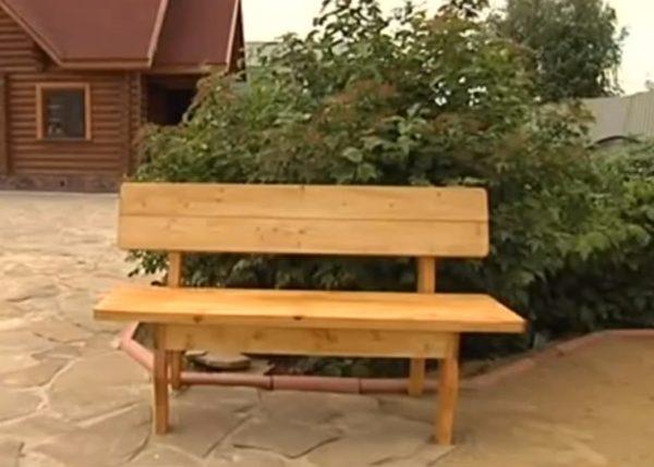Сделать самостоятельно такую скамейку гораздо проще, чем кажется