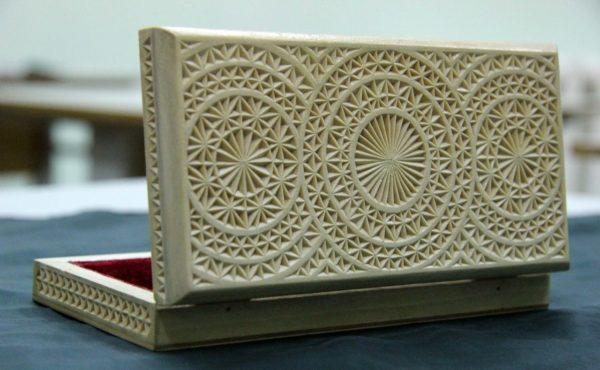 Шкатулка с классическим примером геометрического оформления
