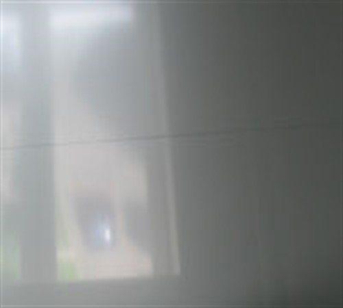Шов на натяжном потолке может быть заметен