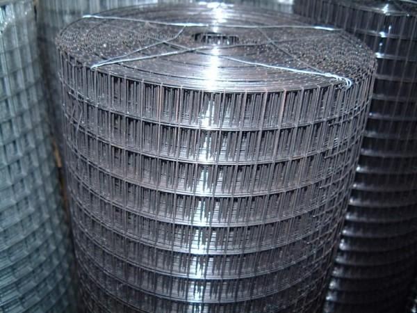 Штукатурная сетка для потолков продается в рулонах, вам нужно рассчитать количество и купить кусок требуемого размера