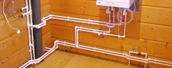 Собрать систему подачи воды несложно, если знать все нюансы работ и иметь под рукой необходимый инструмент