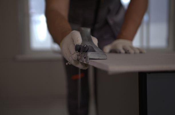 Специалисты используют для снятия фаски специальное приспособление
