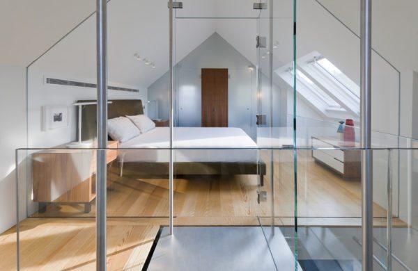 Стеклянная перегородка в квартире позволит разделить ее на функциональные зоны