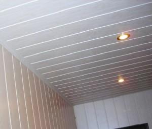 Стены и потолок, облицованные панелями МДФ