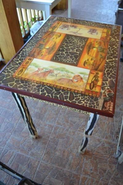 Стол для кухни в стиле сафари