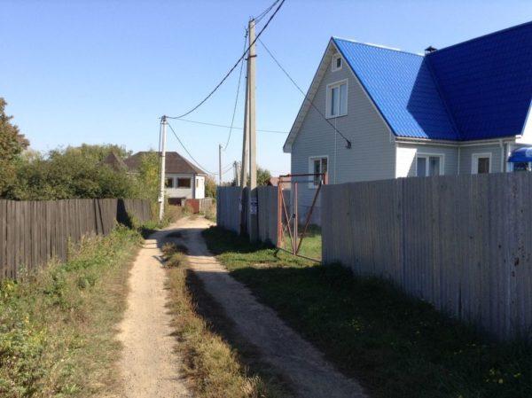 Строительство любого поселка начинается с электрификации территории.