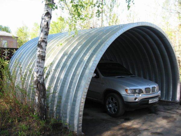 Строительство такого ангара обойдется намного дешевле самого простого гаража.