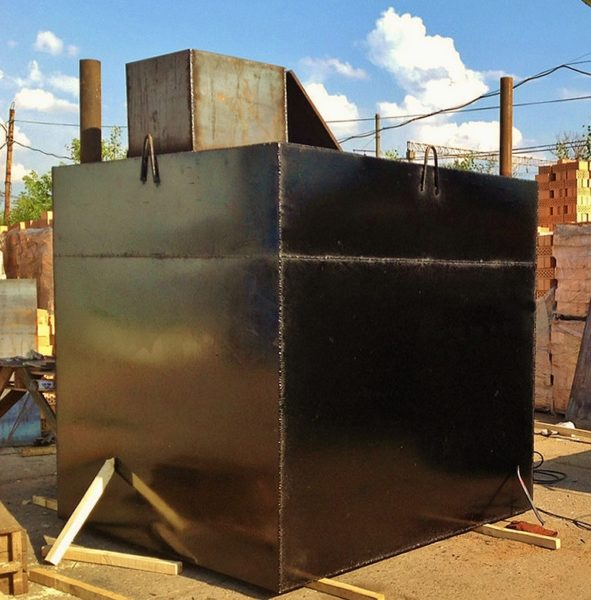 Сварная емкость будет еще обрабатываться защитными составами, защищающими металл.