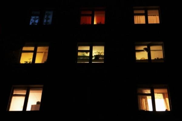 Свет в вашей квартире может загораться и выключаться даже в ваше отсутствие