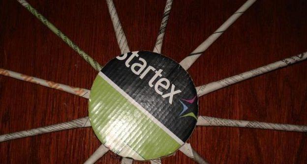 table_pic_att149316965914-e1493169905616 Плетение из газетных трубочек для начинающих пошагово: техника плетения, мастер класс, фото. Плетение корзин, шкатулок, коробок из газет для начинающих: схемы, загибы, фото