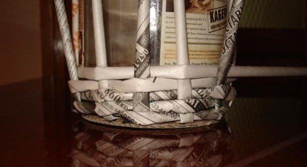 table_pic_att149316966622-e1493170056144 Плетение из газетных трубочек для начинающих пошагово: техника плетения, мастер класс, фото. Плетение корзин, шкатулок, коробок из газет для начинающих: схемы, загибы, фото